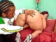 Black fat girl licked by hungry guy