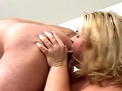 Fat milf sucks and licks males ass