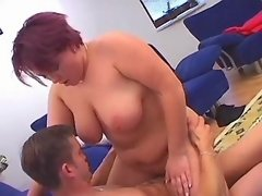 Plump housewife w big boobs screwed