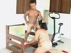 Chubby latin woman gets hot cumload